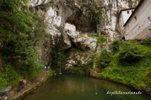 Santa Cueva en Covadonga
